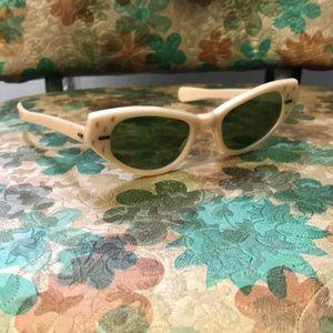 Vintage Polaroid sunglasses 🕶